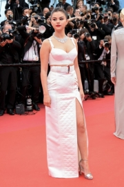 Selena-Gomez-2019-Cannes-Film-Festival-Pictures